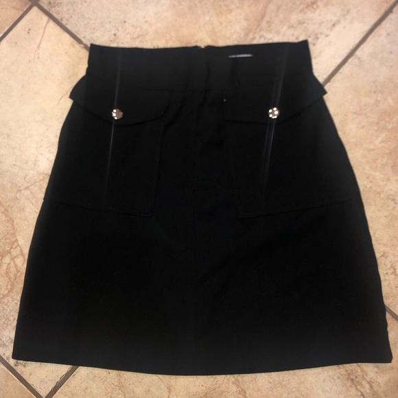 H&M Dresses & Skirts - H&M black skirt size 10